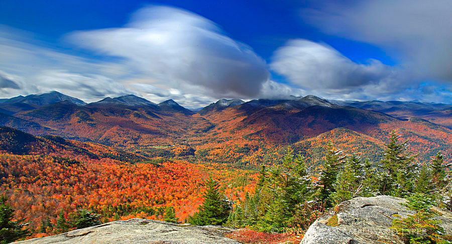 Mt autumn first snowfall of the season on the High Peaks in Adirondack